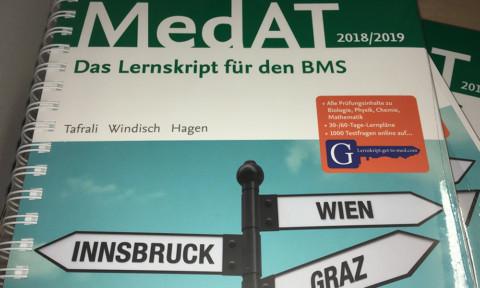 """Gewinne das Buch """"MedAT 2018/19. Das Lernskript für den BMS"""""""